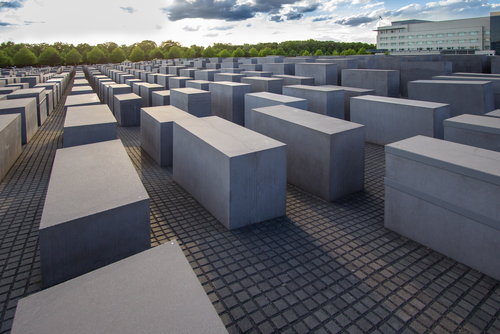 memorial to the murdered jews (2)