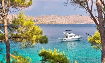 croatia-dugi-otok-island-boat-in-the-water