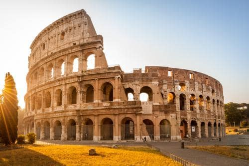 fall_destinations_in_europe_colosseum_in_rome_during_fall