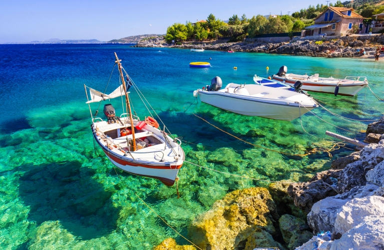 greece-zakynthos-island-sea-view-boats-in-the-water-early-bird