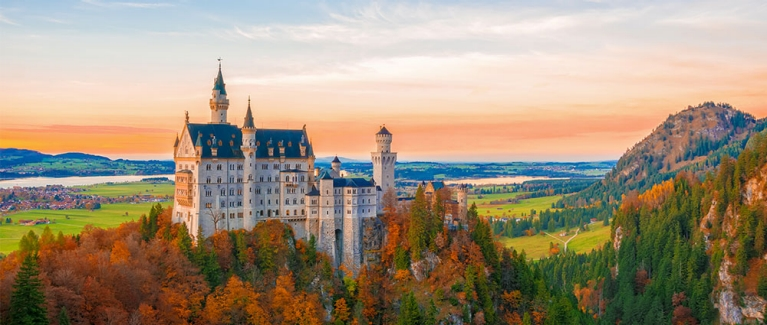 hostelworld-neuschwanstein-castle