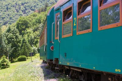 Train bulgare en pleine nature | Trains en Bulgarie