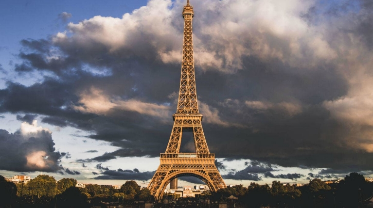 eiffel_tower_in_paris_france_2