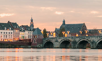 netherlands-maastricht-view-on-bridge-during-sunset