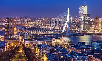 netherlands-rotterdam-by-night-view-on-erasmus-bridge