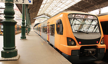 portugal-lisbon-train-in-station-sao-bento